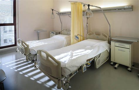 krankenhaus betten sollen zweibettzimmer in kliniken zur regel werden