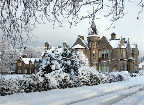 house in the snow scottish winter is beautiful 14 breath taking pictures