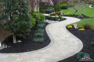 walk ways curved walkway front walkway pinterest