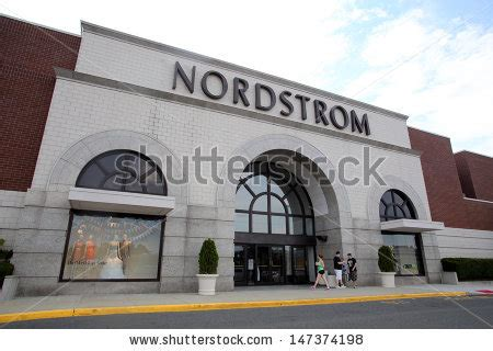 Garden State Plaza Hiring Paramus July 9 Shoppers Walk Past A Nordstrom