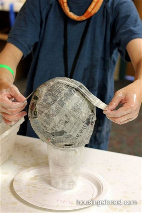 Easy Way To Make Paper Mache - 25 best ideas about paper mache balloon on