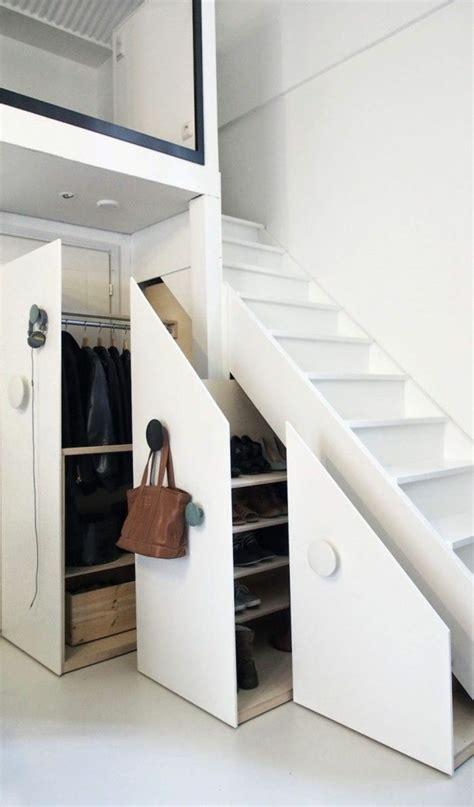 am駭agement bureau sous escalier am 233 nagement placard sous escalier 24 id 233 es astucieuses