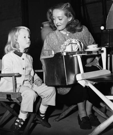 bette davis daughter fact checking feud bette davis s difficult relationship