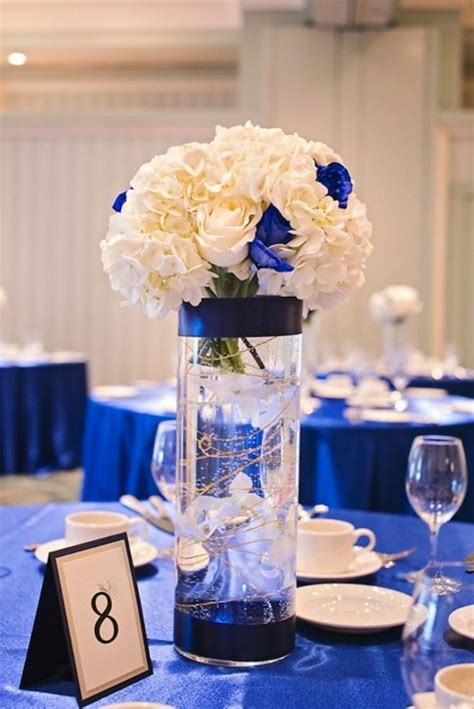 royal blue and white wedding centerpieces m 225 s de 1000 ideas sobre royal blue centerpieces en