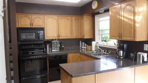 colors for kitchen walls with oak cupboards kitchen