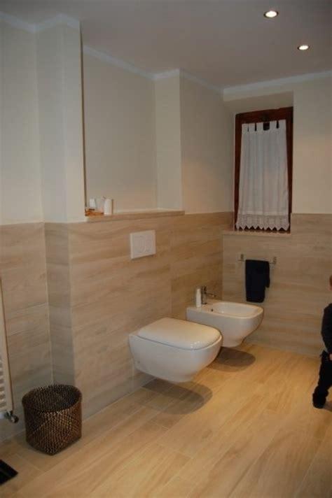 rivestimento bagno effetto legno rifacimento bagni lavori edili scandicci firenze