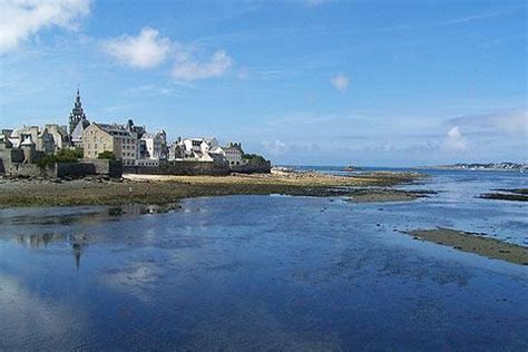 Car Hire Roscoff Ferry Port by Roscoff Finistere Tourism