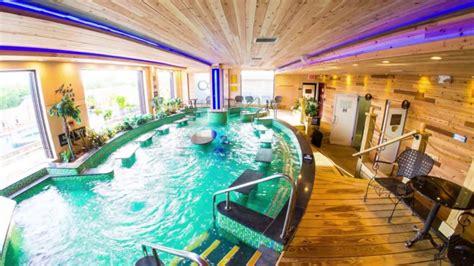 decoracion de residencias de lujo dise 241 os de piscinas cubiertas en interiores de casas de