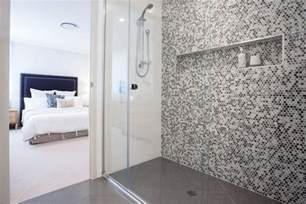 Ore s tips for selecting a bathroom feature wall life s