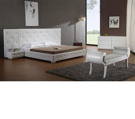 white leather platform bed dreamfurniture com melody white modern leather