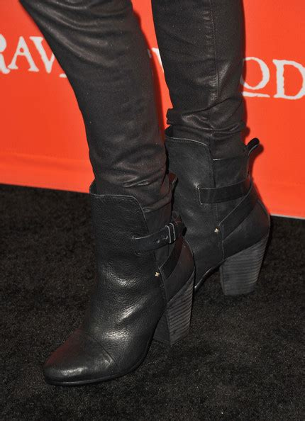 Sendal Fashion 16128 leighton mid calf boots shoes lookbook stylebistro