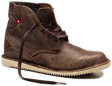 Yakima Skybox 16 Classic Roof Box Review - oliberte gando boots s rei co op