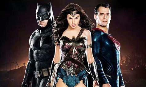Kaos Justice League Dc 3 Batman Superman Wonderwoman justice league batman v superman got all wrong says gal gadot