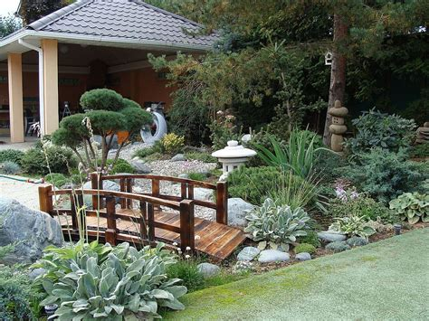 Japanese Patio Design Landscape 20 Asian Gardens That Offer A Tranquil Green