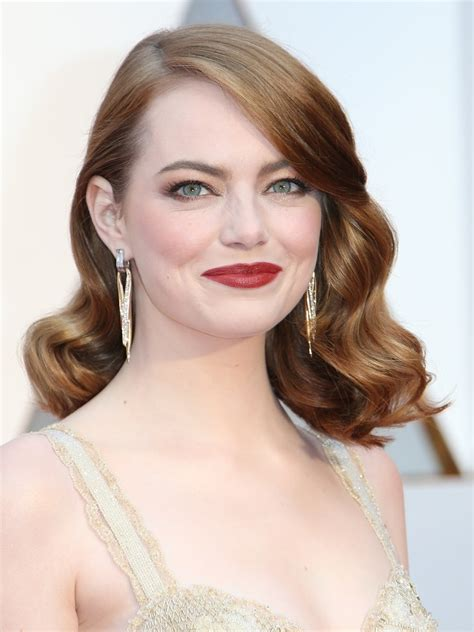 emma stone lord of the rings emma stone s blonde hair in maniac makes her look like