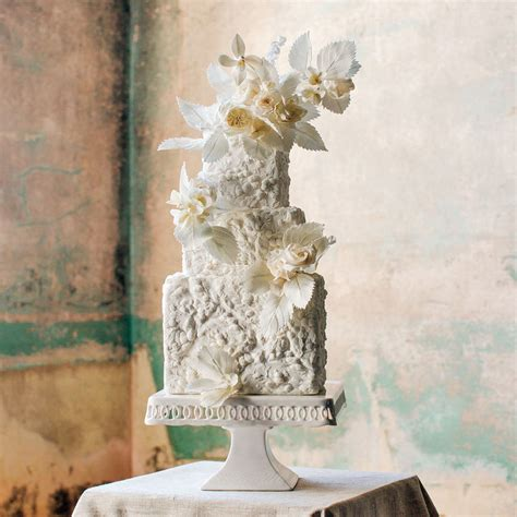 gorgeous floral wedding cakes  maggie austin martha
