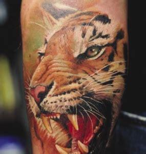 tatuaggi fiori maschili tatuaggi belli maschili idee originali ed immagini