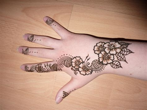 simple henna tattoo designs for girls 25 stunning henna tattoos for collections