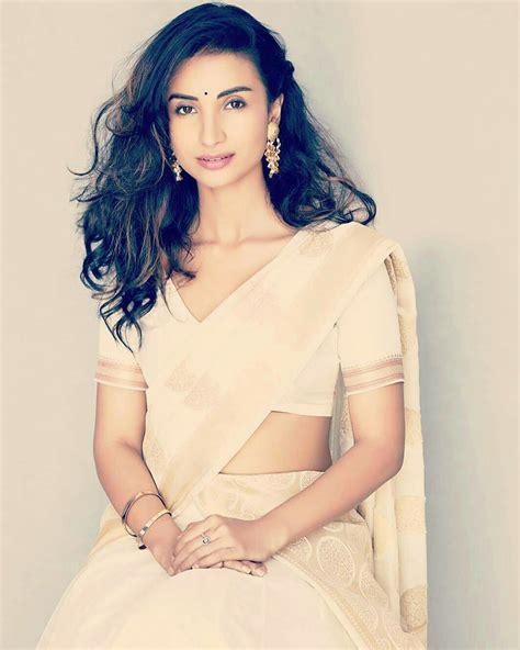 bollywood actresses hot pics hd bollywood actress hot photos in saree hd wallpapers