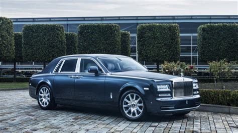 rolls royce suv expected