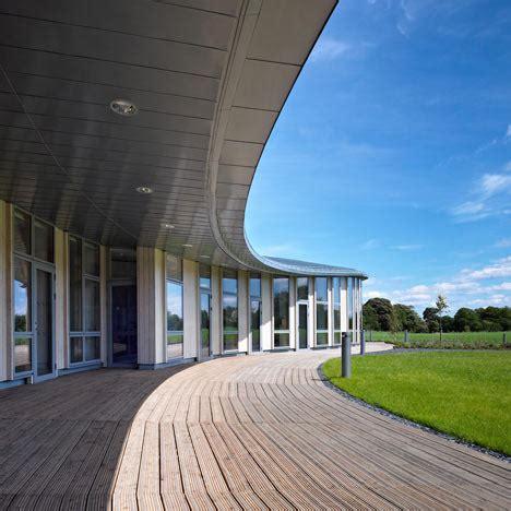 gallery of centre for scottish war blinded page park مثلا قراره معمار بشیم عکس های معماری