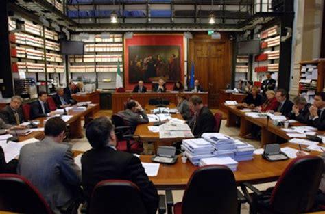 commissioni parlamentari alla sta cominciando il dibattito sulla