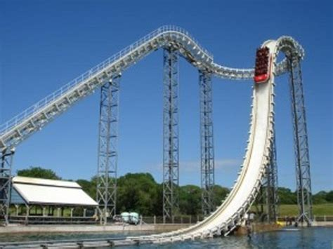 theme park rides 20 theme park rides that you need to try out at least once