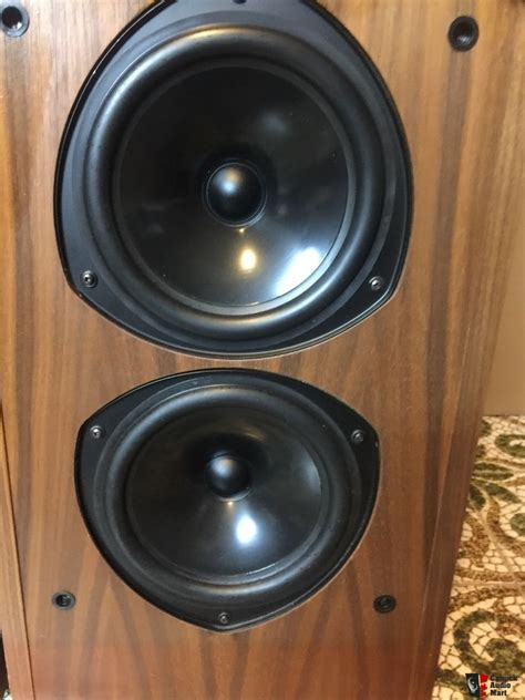 kef  reference series photo  canuck audio mart