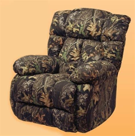 max 4 camo recliner laredo real tree max 4 camouflage chaise rocker recliner