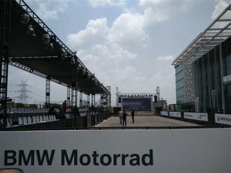 Bmw Motorrad Kolkata by Bmw G 310r And G310 Gs India Launch Live Video Updates