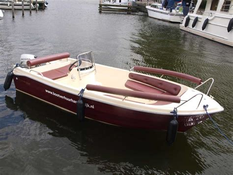 center console boats that start with b rental brunia watersport