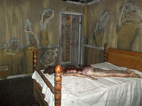 Dead In The Living Room by Dead End Hotel 2013 Review Louisvillehalloween
