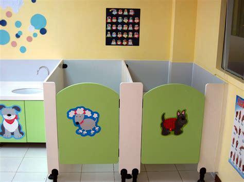 classroom bathroom kindergarten 647 miles apart