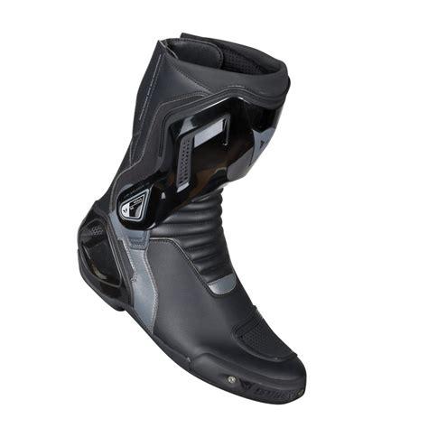 dainese nexus bot siyah dainese racing bot fiyatlari