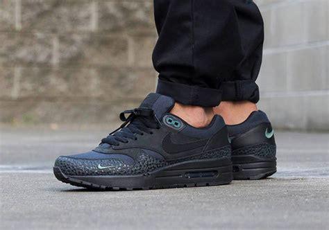 6282 Premium Syari Black nike air max 1 mini swoosh pack sneakers addict