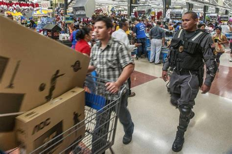 tight security for walmart s cheapest day of the year