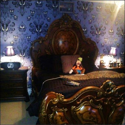 dream room a disney haunted mansion bedroom homes and hues 52 best our house haunted mansion dining room images on