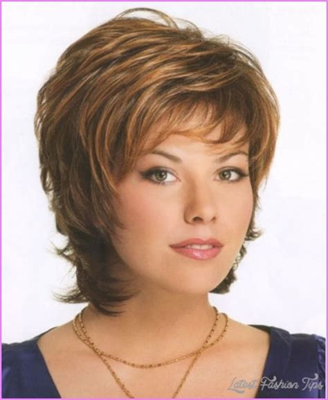 short haircuts for brunette women over 40 short layered haircuts for brunettes latestfashiontips com