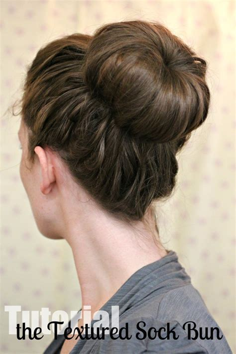 Hairstyle Bun by 15 Easy Bun Hairstyles To Rock This Summer