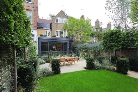 Buy House In Chelsea 28 Images Buyer Shells Out 163 51m For Boltons Gardens