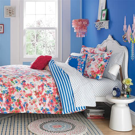 teenage bedding charming teenage bedroom with blue spotted bedding