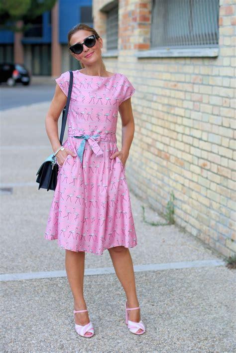Zara Flamingo Dress pink walking flamingo dress and sandals fashion