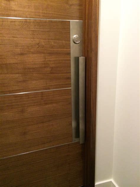 » Condo door pull