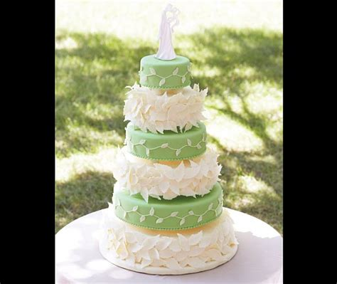 how decorate cake at home wedding cake decorations romantic decoration
