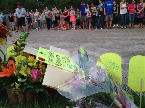 Vigil Held For Hudsons Slain Family Members by Vigil Held For Family Of 4 Killed In Weekend Wreck In