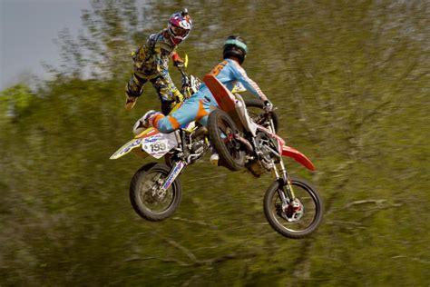 travis pastrana motocross gear travis pastrana pond skim on a motocross bike video