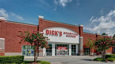 dick s sporting goods store joins cluster of 15 501
