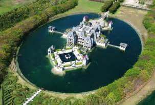 Castle In Miami Miami Castle With A Moat On The Market For 10 9 Million