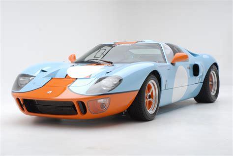 gulf gt40 asaucerfulofwheels 1966 ford gt40 mk ii 1969 ford gt40