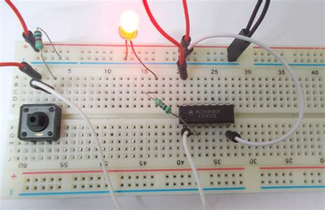 schmitt trigger gate circuit diagram amp working explanation